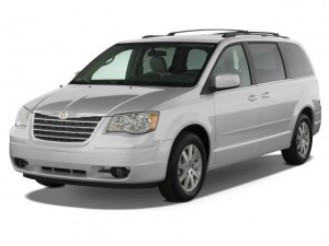Chrysler Town and Country image 7_30_2013